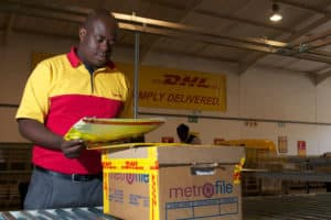 how to track dhl packages