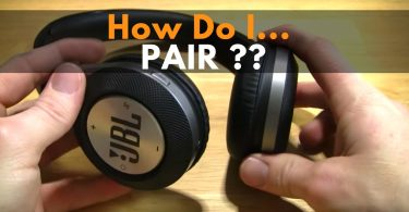 pair jbl headphones