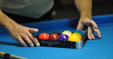 8 ball pool play